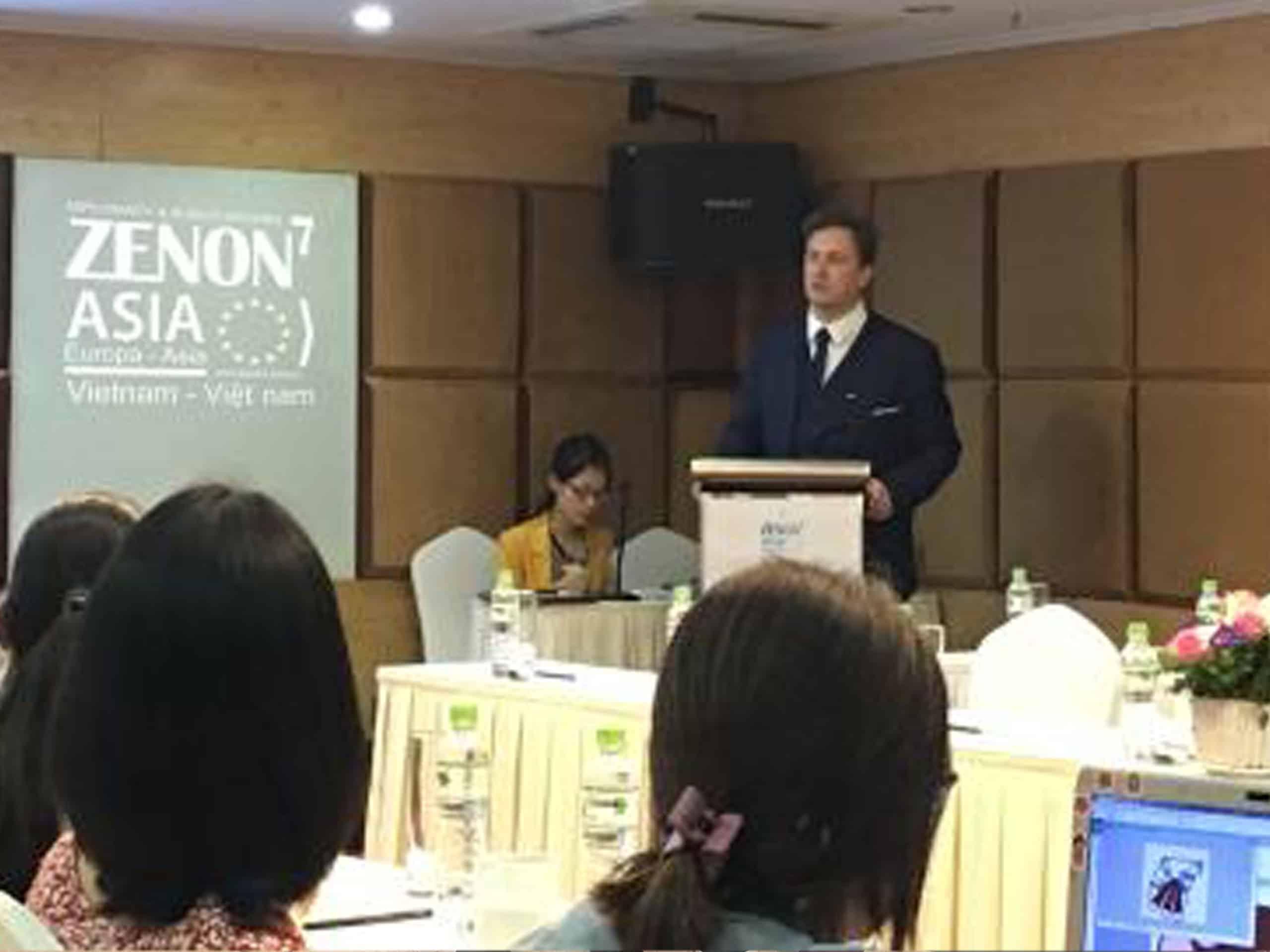 Présentation de l'Économie Circulaire et de l'OCCE par M.Olivier FEIX, Président de ZENON7 à Hanoi au Vietnam
